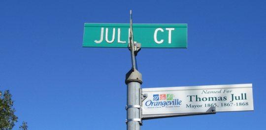 Sign - Jull Court
